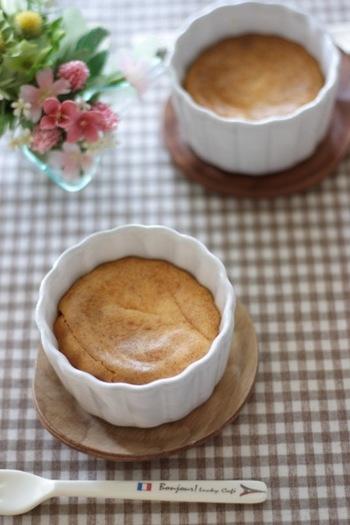 こちらも酒粕の力を借りてしっとり焼き上げるチーズケーキです。いつものチーズケーキがワンランク上の食感に変わるはず♪