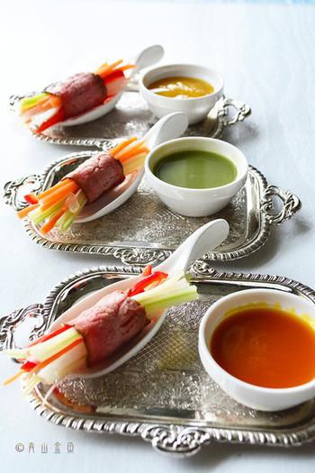 バルのタパス風の小皿料理はちょこちょこつまむのに最適です。