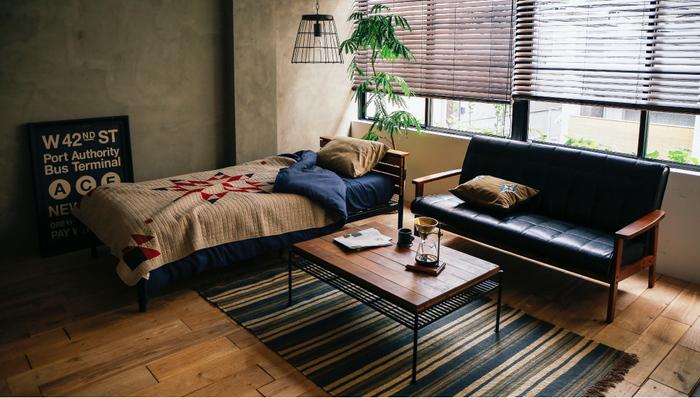 一人暮らしなら、あえてビッグワンルームを選ぶという選択肢もあり。 壁や仕切りがないから、開放的な生活が楽しめます。 これこそ真の贅沢なのかもしれませんね。 自分の生活空間すべてに目が届く分、インテリアの統一もしやすいのが広めのワンルームの利点です。