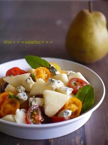 洋梨の甘さとトマトの酸味、チーズの塩味が絶妙なハーモニーが白ワインのピリッとした味わいとマッチします。
