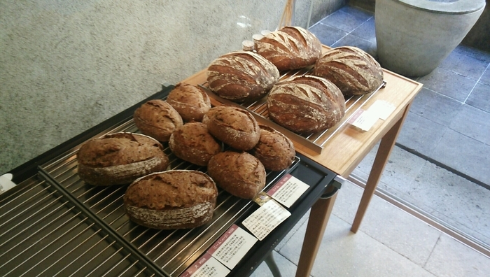 入場規制が行われるほど人気のダンディゾンのパン。早速パンのご紹介をしたいと思います。
