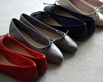 楽ちんコーデでスタイル◎! ぺたんこ靴でも「脚長」に見せるコツ教えます!