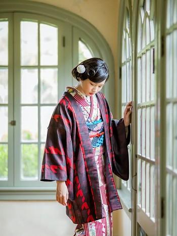 ワンパターンになってしまいがちな着物。帯や小物を変えるだけで印象もガラッと変わります。 さらに帽子やストールなど、普段から使っているアイテムを合わせれば、こなれ感がぐっと増しますよ。 気軽に取り入れて、着物女子デビューしてみませんか?
