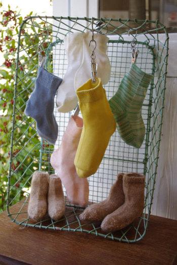 子供用冷えとり靴下もあります。 大人の靴下とおなじように編まれており、締め付け感もナシ。ゆったり心地良い履き心地が魅力です。パパやママとのお揃いも楽しめますよ。