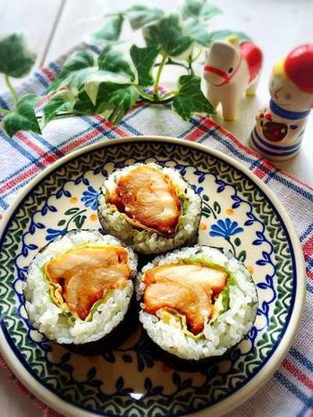 味付けはマヨネーズ!揚げ物とご飯の組み合わせが、名古屋地方の天むすを連想させますね♪