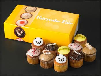 菓子研究家いがらしろみさんプロデュースによるイギリス菓子の店。ひとつひとつ丁寧に手作りしたカップケーキやスコーンが並びます。なかでも人気は、食べるのがもったいなくなるほど可愛い動物のデコレーションが施されたカップケーキ!