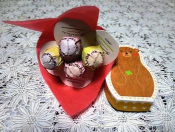 「メリーチョコレート」が手がけるチョコレート専門店「Marché du chocolat(マルシェ ド ショコラ)」。 一粒一粒丁寧に作られたチョコレートが、可愛いパッケージに入っています。