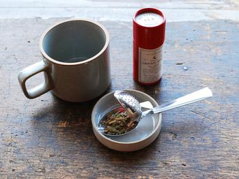 918円(税込)  北欧やヨーロッパ各国のカフェで使用されることの多い、イギリスのメーカーがつくるティーストレーナーです。アウトドアや登山など気軽に紅茶を楽しみたい時にもおすすめです。紅茶好きなあの人へ贈ってみましょう。