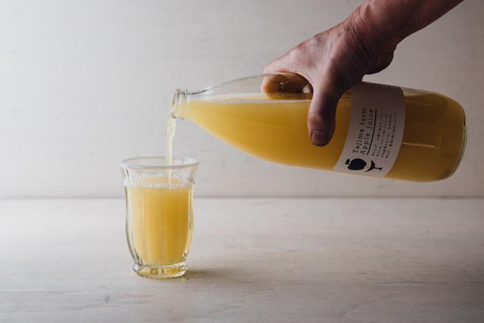 756円(税込)  シンプルでかわいいパッケージのりんごジュース。その年収穫されたりんごによって味の変化も楽しめます。濃厚なジュースはホットでもおいしくいただけます。小さいお子様にも安心の品質です。