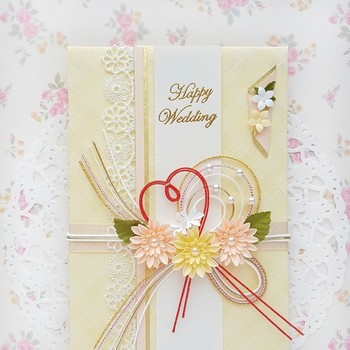 結婚式など、お祝い事があるといただくご祝儀袋。せっかくいただいても、再利用するのはちょっと...と思ってしまいますよね。