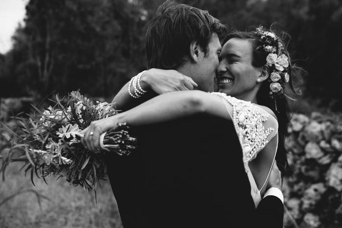 二人にだけじゃなくて、来てくれた人たち皆に素敵な思い出を残せるのが結婚式。だからこそ最高な思い出で残してあげたい。そんなときにBGMは最高の役目を果たしてくれるのです。 普段照れくさくて言えないことも歌にのせれば何だって言えちゃう。同時に場を盛り上げて皆を笑顔にしてくれる。それがBGMの力なのです。最高の曲たちとともに最高の式を挙げましょう!