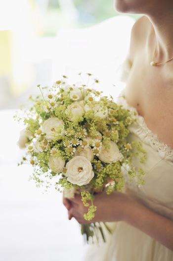 真っ白なドレス、長いバージンロード、純金の指輪、ウェディング・ケーキ、たくさんの人・・・結婚式はかけがいのない一瞬一瞬がつまった最高の日です。