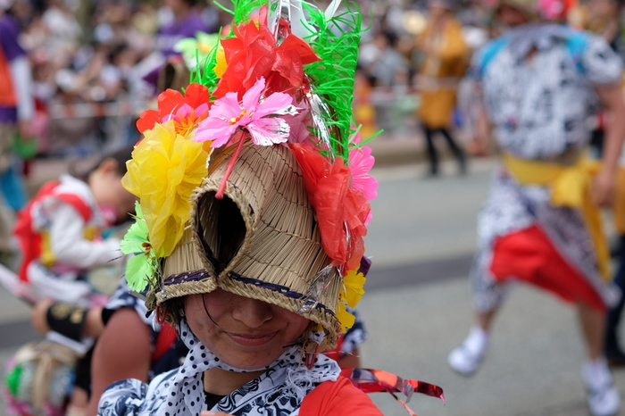 ハネト(跳人)と呼ばれる踊り子たちの「ラッセラー ラッセラー」というお囃子に合わせた掛け声もまた印象的です。