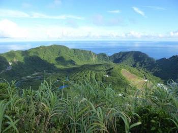 近くて遠い、遠くて近い、青ヶ島の魅力をご紹介しました。これからの季節、島でゆったりとした時間を過ごしてみてはいかがでしょうか。
