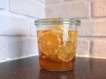 宝酒造のホワイトタカラ「果実酒の季節」miniを使えば、3日で果実酒を作ることもできます。気軽にできますから、いろんな果実酒を作って日替わりで楽しむのもいいですね。