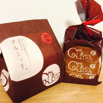 可愛らしいリスのマークが目印です。よーく見ると「神奈川県菓子コンクール最優秀賞受賞」の刻印が。ますます中を開けるのが楽しみになりますね♡