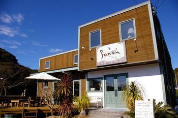 西海岸を髣髴とさせる「south cafe」は、いっぱい遊んでお腹がすいた時にピッタリな開放的なおしゃれカフェです。