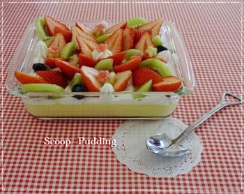 王道のフルーツケーキは、フルーツの組み合わせやカッティングを楽しめます。