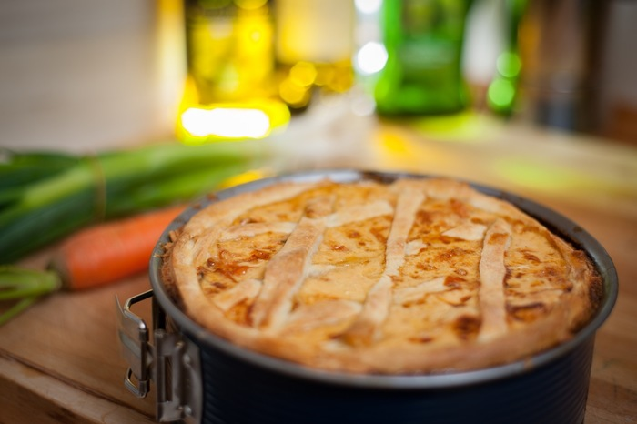 パイというとオーブンというイメージが強くはありませんか?時間をかけてじっくりと料理したいときもあれば、もっと手軽に作りたいときもありますよね。ここからは、調理方法別に作りたくなるおいしいレシピをご紹介します