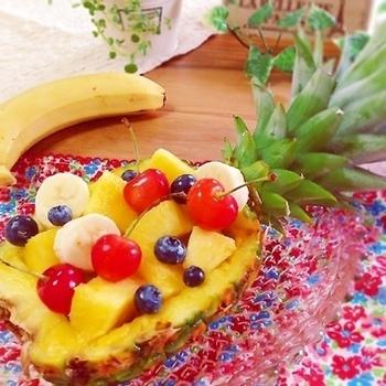 パインなら一気にトロピカルなムードに!華やかなフルーツ盛りになりますね。