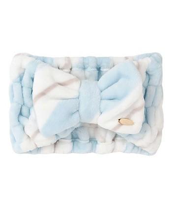 可愛いふわふわなリボンヘアバンド。 100円ショップのタオルをつないで作ることもできます。