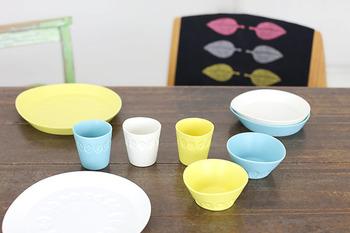 white、yellow、green、blue、pinkの5色展開  パステルカラーの綺麗なプレートなら子供達も食事を楽しんでくれそうですね♪
