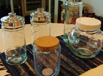 準備するもの  ・最低容量0.5リットルのガラス瓶 ・底床(砂利、ソイル) ・肥料(水草専用の液肥) ・浮草・水草等 ・小さな淡水魚 ・カルキ抜きした水
