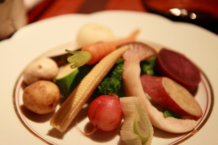 栄養豊富な野菜は美容と健康維持には欠かせません。しかし、生野菜はカラダを冷やしてしまうので、寒い季節はカラダを温めてくれる温野菜がおすすめです。