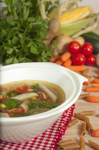 冷えた身体が温まる。寒~い季節に美味しい<スープパスタ>のレシピ集