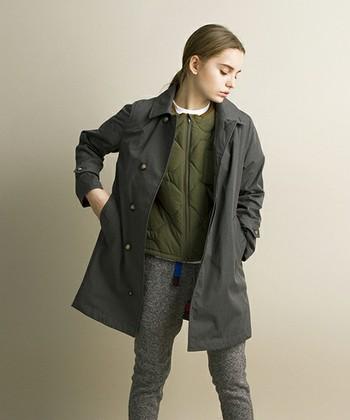 ステンカラーコートはシンプルなデザインで着る服を選びません。色も落ち着いていて大人っぽいですよね。