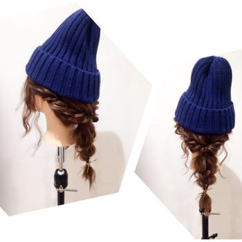 三つ編みを作り、両サイドをロープ編みにしてまとめたら、くるりんぱをして残った毛先を三つ編みに。 こんなヘアスタイルしてみたいですよね。
