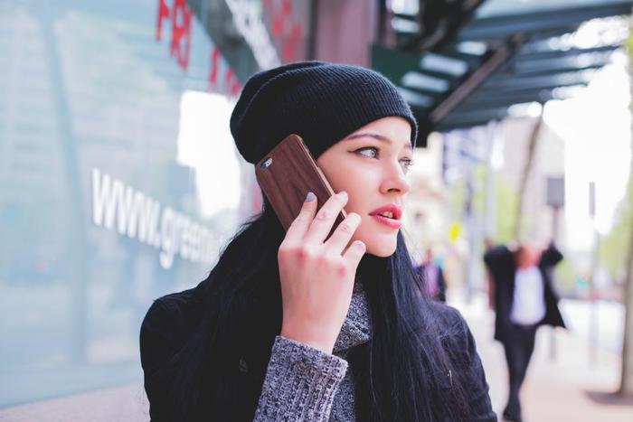 遅刻・欠勤の連絡や、締め切りが遅れてしまうなどの連絡は特に重要です。これらはなるべく少ない方が良いですが、どうしても起こってしまう時がありますよね。そんな時は、ちゃんと連絡しましょう。あたりまえのことですが、なかなか出来ない人が増えています。