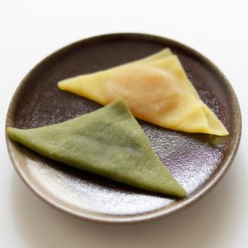 ●西尾八ツ橋の「あん入り生八ツ橋 あんなま」  種々様々、実に多彩な京都土産。それでも、これは見逃せません。 ニッキの風味のモチモチっとした皮と、程よい甘味の小豆餡。バランスが実に絶妙で、一つ二つと手が伸びる味わいです。