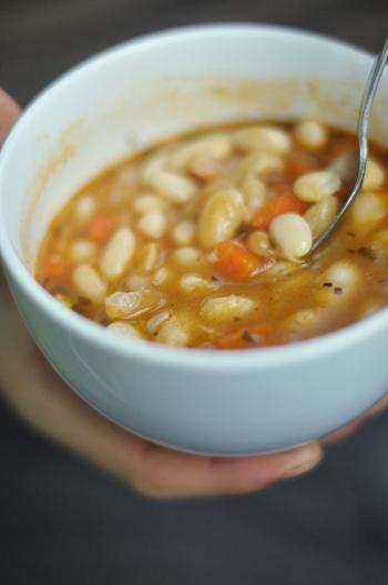 スープは火にかけてコトコト煮込めば完成するのでとっても簡単です。そして色々な具材を入れれば栄養もばっちり摂れますよ。寒くなってきたこの季節。風邪に負けない体を作るためにも、具だくさんの美味しいスープ、是非作ってみてくださいね。