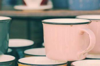 マグごはんに使用するマグカップは、あらかじめ、電子レンジで使える耐熱のものかどうかを確認しておきましょう。レシピの内容に合わせて、作りやすいサイズを選ぶこともポイントです。