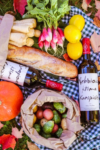 赤ワインの使い方は、たっぷり使って煮込んだり、隠し味に少量入れたりとさまざま。慣れてくれば、自分好みにアレンジしてコクや風味を加えることができるでしょう。人の集まることの多いパーティなどで、ぜひ赤ワインを使った腕をふるった料理を提供して、いつもよりちょっと大人っぽくテーブルを演出してみてくださいね♪