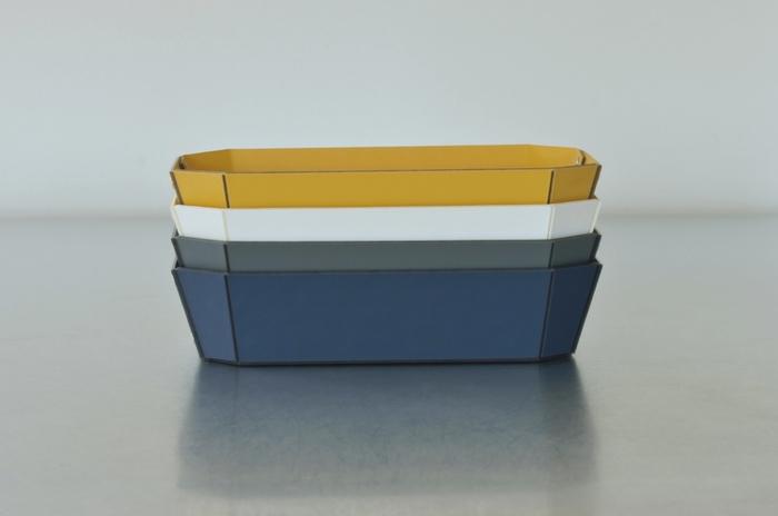 サイズ・カラーのバリエーションも豊富。同じサイズのものならスタッキングも可能です。組み合わせが自由自在なのも嬉しいポイント♪