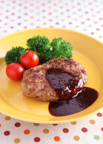 大人も子供も、ディナーにもお弁当にも、どんなシーンにも合うハンバーグ。色々なソースを覚えてさらにハンバーグを楽しみましょう!