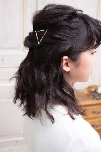 オーソドックスなハーフアップやまとめ髪のポイントにしたり、、