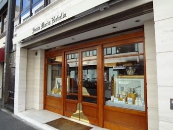 サンタマリアノヴェッラの店舗は国内にも数多く存在します。東洋で古くから親しまれてきたサンタマリアノヴェッラは、そのオリエンタルな香りで海外でも人気です。