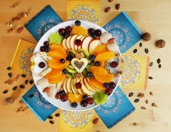 主にフルーツやナッツが原料になっているなんて、とってもヘルシーですよね。他の食事とのバランスも考えて取り入れれば、ダイエット中の人でも安心して食べられそう!
