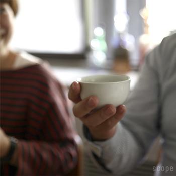 """薬とちがって、穏やかな""""梅しょう番茶""""はなかなかはっきりとした効果は現れないかもしれません。 けれど、あなたと家族を優しく労ってくれる心強い味方となってくれることでしょう。  これからどんどん寒くなっていく季節を、""""梅しょう番茶""""で元気に乗りきりましょう。"""