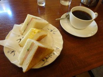 サンドイッチのお皿に敷かれている紙ナプキンもかわいらしいと有名です。