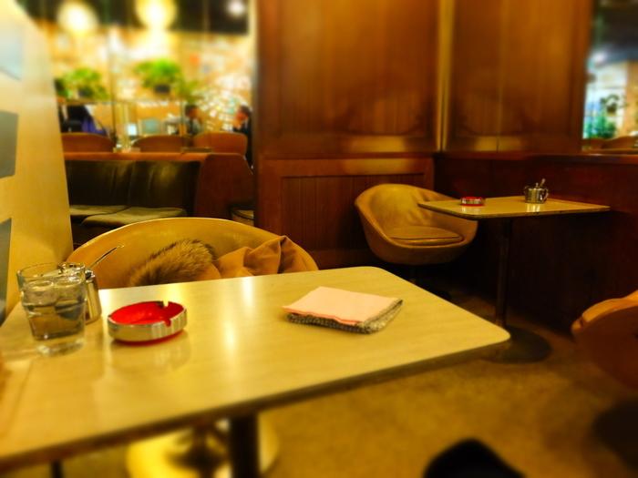 昭和にタイムスリップしたかのような店内。静かで落ち着いた雰囲気はおひとりさまでも!