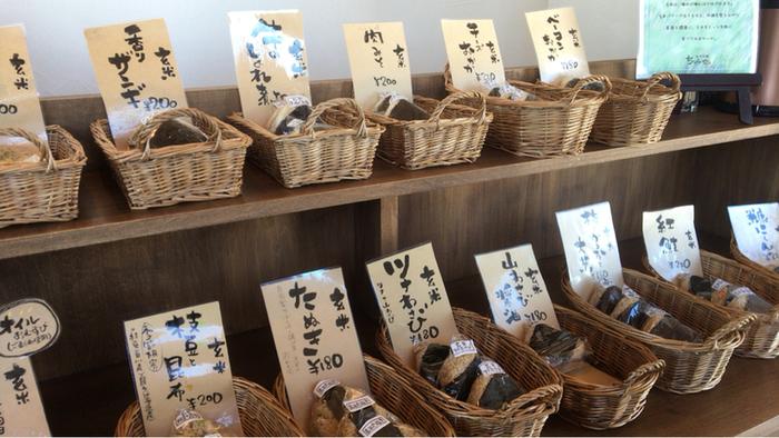 北海道の素材で造られる玄米おにぎりは素朴だけど味がしっかり染みています。焼きおにぎりも美味しい♪
