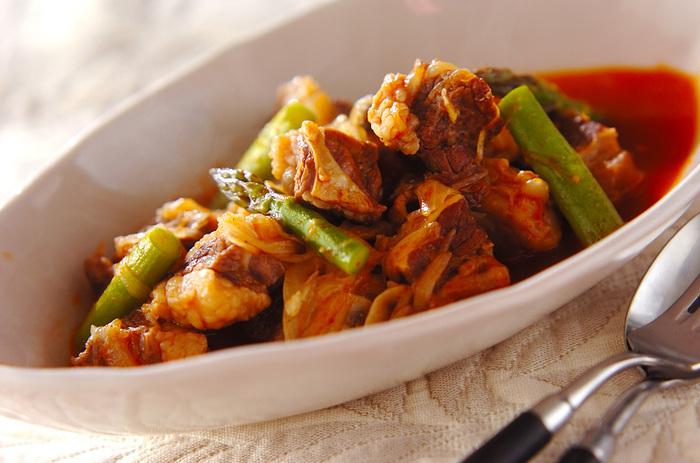 """ビールに含まれている""""酵母""""、""""炭酸""""にはそれぞれタンパク質を分解し、お肉を柔らかくする効果があります。ホロホロの牛肉と飲み干したくなるスープは絶品ですよ♪"""