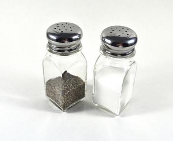 あたたかいうちに塩コショウを振って完成です!塩のみでも美味しいですよ♪