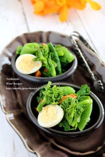 春野菜は、とてもみずみずしくて香りが強く、柔らかいのが特徴です。また、独特の苦みも大人好みでいいですね。もちろん、ビタミンなども豊富で、栄養もぎっしり。季節限定の貴重な春野菜たちをどんどん取り入れたいですね。
