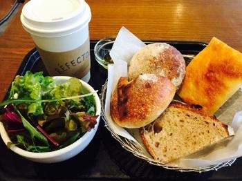 「パンの盛り合わせ」は、4種類から選べる♪