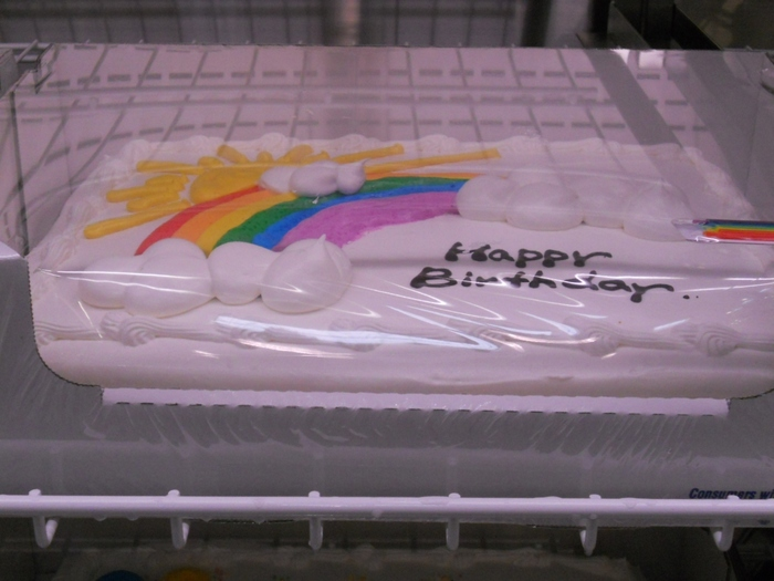 お子様のお誕生日パーティーに喜ばれそうな大きなケーキも♪